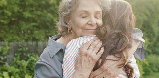 atitudes-valem-mais-que-belas-palavras-de-elogios-mil-te-amos-mil-beijos-e-mil-abracos