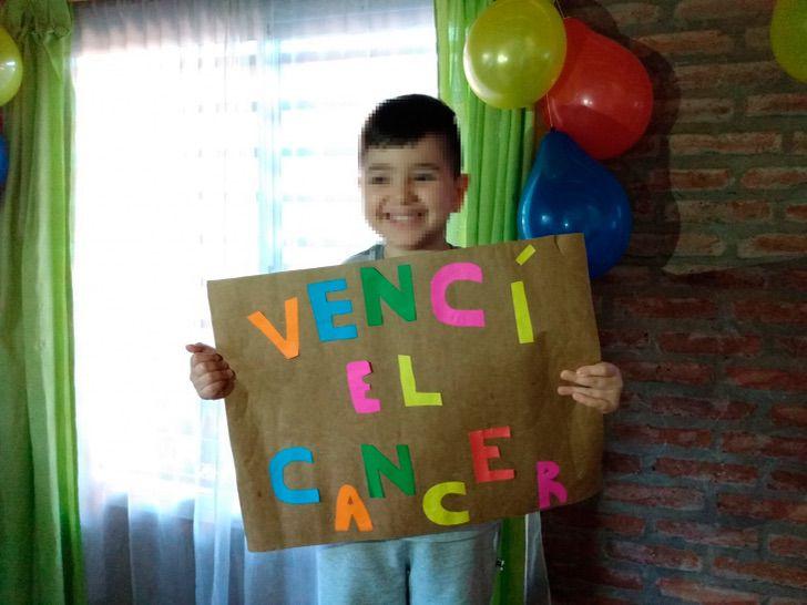 menino-de-4-anos-comemora-sua-ultima-quimioterapia-eu-venci-o-cancer1
