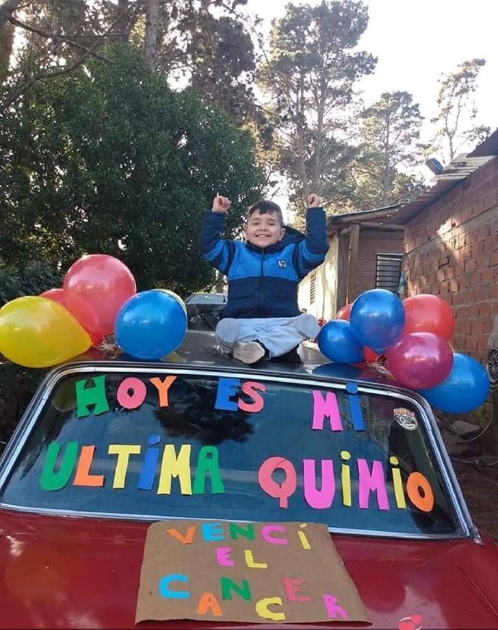 menino-de-4-anos-comemora-sua-ultima-quimioterapia-eu-venci-o-cancer