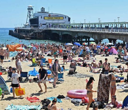 europa-segue-com-praias-lotadas-o-lazer-pode-trazer-a-covid-de-volta