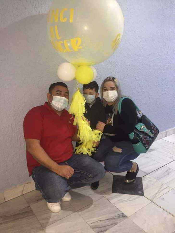 familia-comemora-aultima-quimioterapia