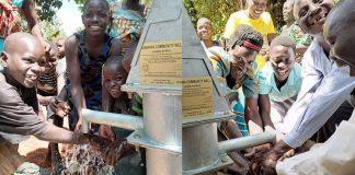 pela-primeira-vez-a-aldeia-de-uganda-tem-agua-potavel