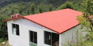 startup-constroi-casas-com-materiais-do-lixo-por-apenas-300-dolares