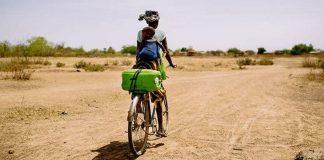 creches-moveis-estao-transformando-a-vida-de-mulheres-e-criancas-na-africa
