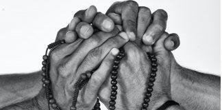nao-perca-a-esperanca-existe-um-deus-forte-e-poderoso-que-te-ama-e-que-trabalha-ao-seu-favor