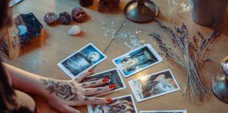 O que significa sonhar com Tarot e suas cartas?