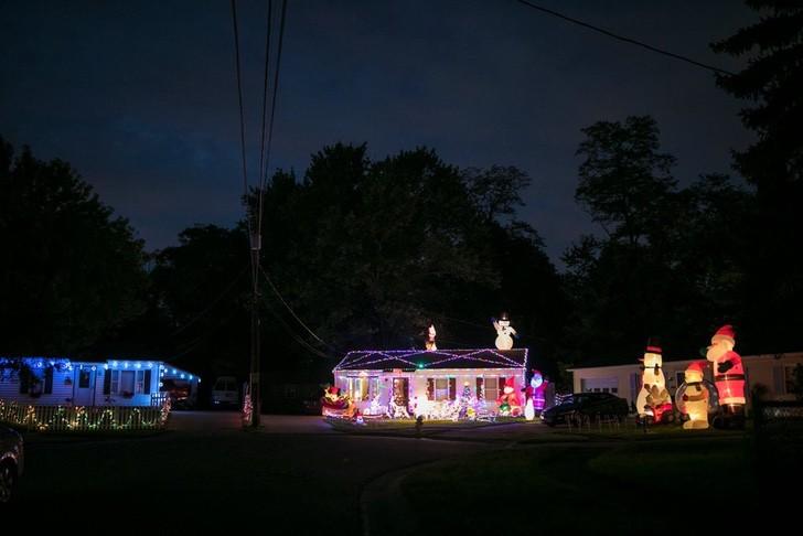 casas-do-bairro-todas-iluminadas-para-o-natal-antecipaado