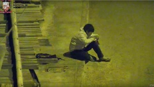 menino-estudando-na-rua