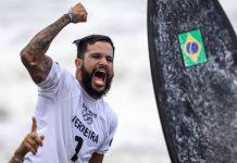 brasileiro-faz-historia-e-leva-o-ouro-na-primeira-participacao-do-surfe-em-olimpiadas