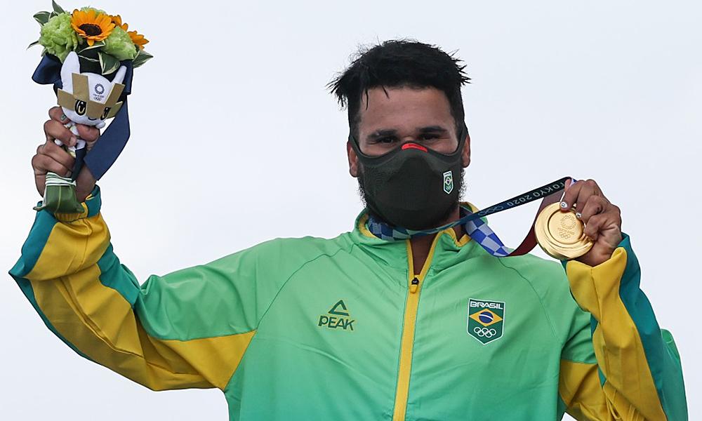italo-ferreira-surfe-jogos-olimpicos-medalha-podio