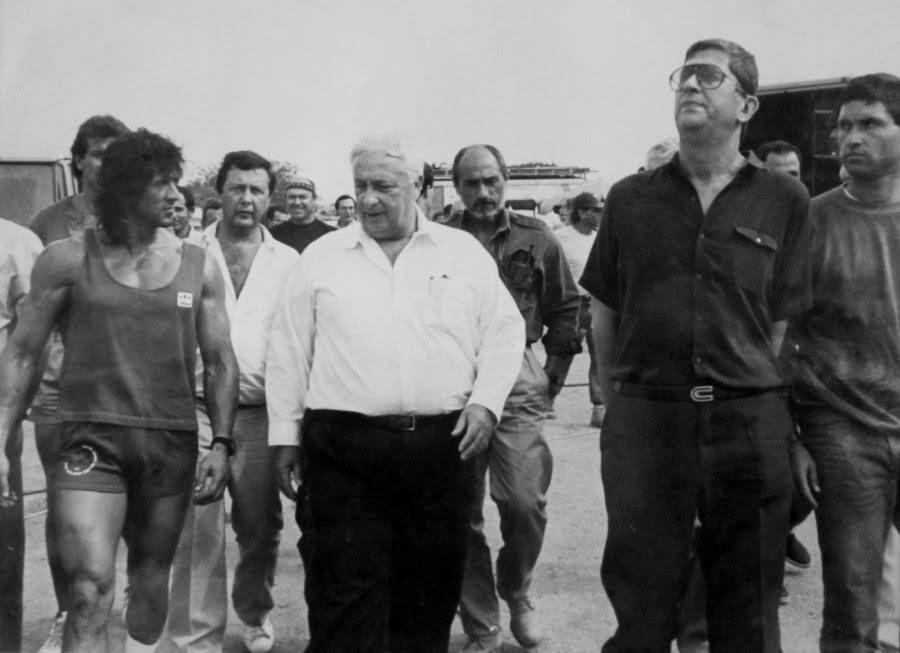 filme-Rambo III (Peter MacDonald, 1988)